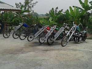 Click image for larger version.  Name:honda cb long chopppers....jpg Views:5 Size:48.6 KB ID:95813