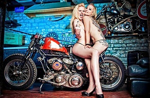 Click image for larger version.  Name:twins.jpg Views:32 Size:99.8 KB ID:97537