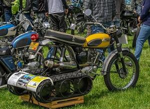 Click image for larger version.  Name:SnoGo kit, Triumph Cub, Vintage-Motorcycles-097.jpg Views:2 Size:99.7 KB ID:98033