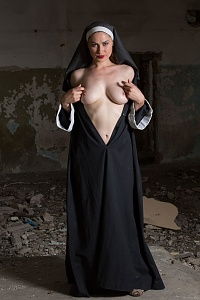 Click image for larger version.  Name:nun2.jpg Views:32 Size:72.7 KB ID:103930
