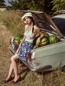 Click image for larger version.  Name:melons.jpg Views:24 Size:89.4 KB ID:104041