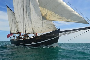 Click image for larger version.  Name:moonfleet-adventure-sailing.jpg Views:1 Size:31.3 KB ID:102856