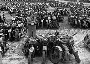 Click image for larger version.  Name:warbikes2Foriginal.jpg Views:2 Size:243.7 KB ID:94053