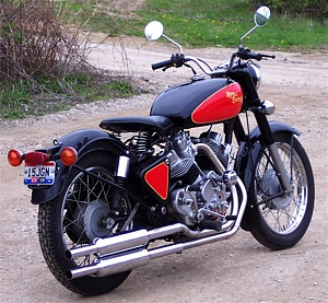 Click image for larger version.  Name:700cc_royal_enfield_v-twin_twin_exhaust.jpg Views:0 Size:143.3 KB ID:89112