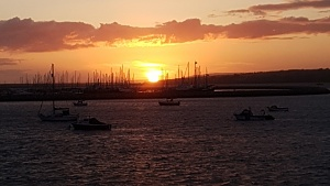 Click image for larger version.  Name:sunset.jpg Views:6 Size:88.8 KB ID:104632