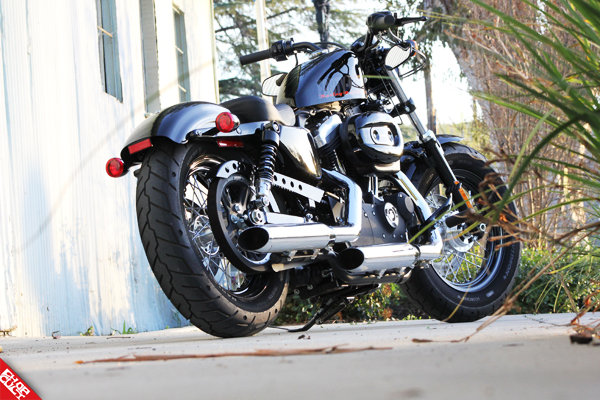 2012 Harley-Davidson Sportster 48 Road Test Review_15