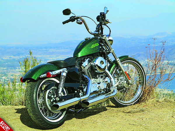 2012 Harley-Davidson Sportster 72 Road Test Review 23