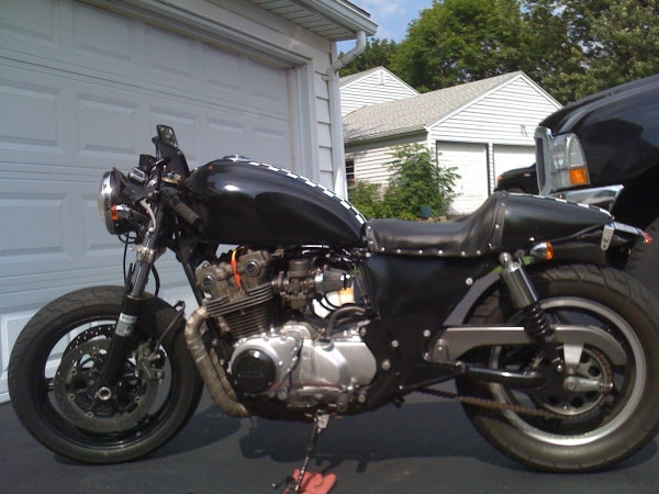 Chop Cult - Honda 750 with a 2003 GSXR front end  Does that